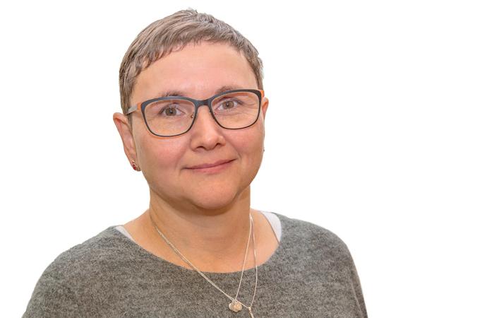 Monica Ziska : Deildarleiðari